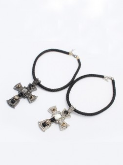 Occidente Punk Retro Cross Collana
